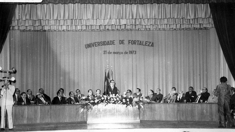 Exposição fotográfica conta a história da Unifor