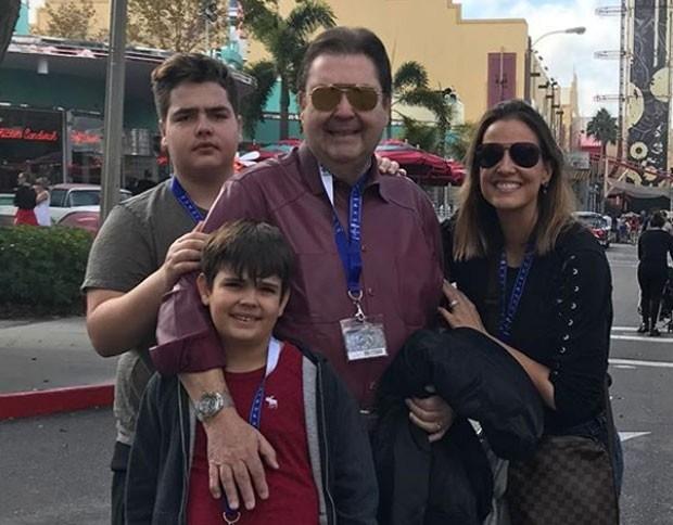 Fausto Silva completa 68 anos cheio de estilo