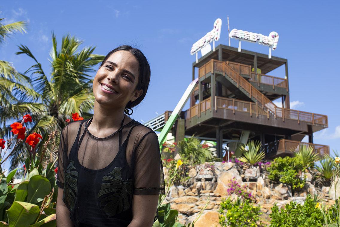 A cantora Wanessa renova as energias no Beach Park