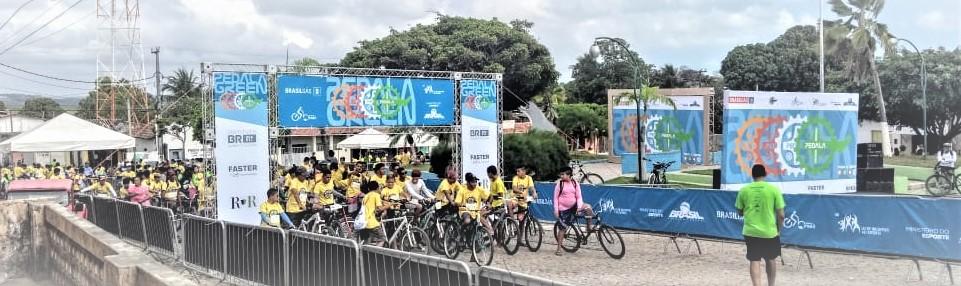 Pedala Green leva centenas de ciclistas para as ruas de Tibau do Sul