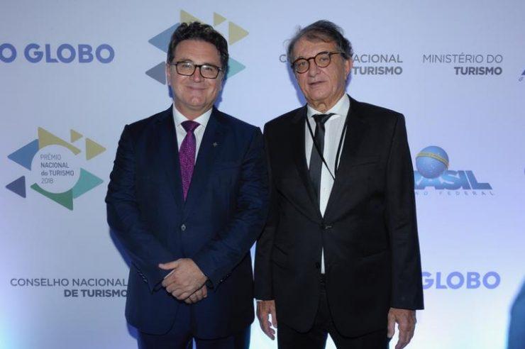 O secretario Arialdo Pinho vence Prêmio Nacional de Turismo