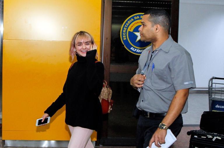 Maisie Williams, uma das estrelas de Game of Thrones, chega ao Brasil
