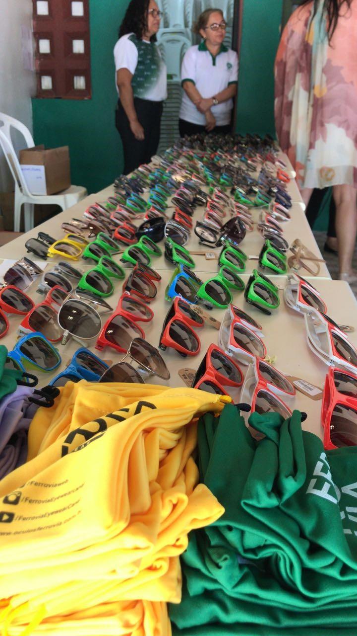 Ferrovia Eyewear realiza doação de óculos