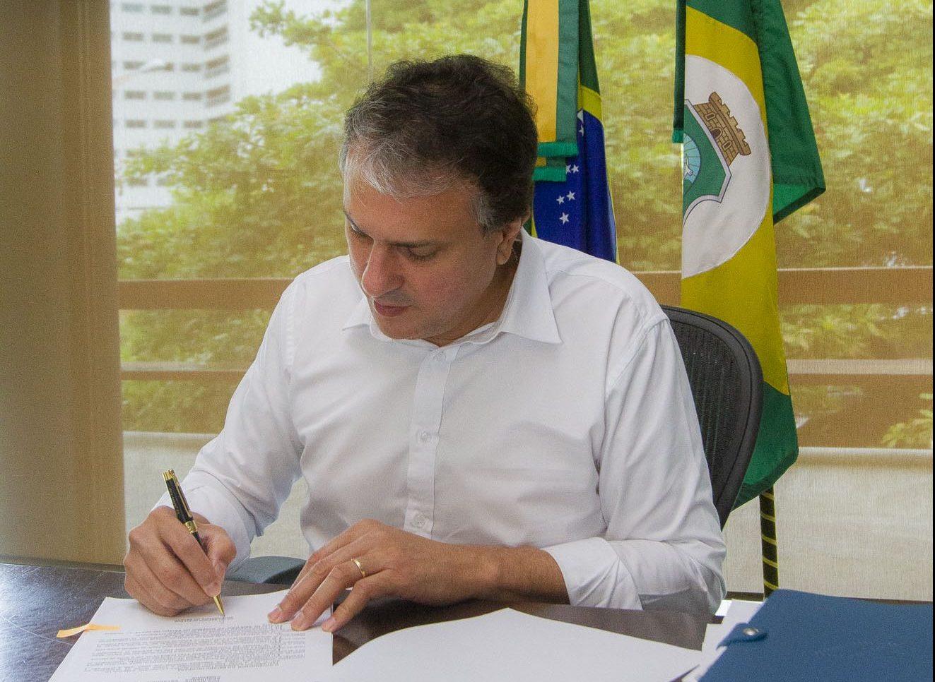 Camilo Santana sancionou leis de enfrentamento à violência