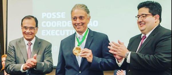Afrânio Barreira é homenageado na posse da Coordenação 2019 da AJE