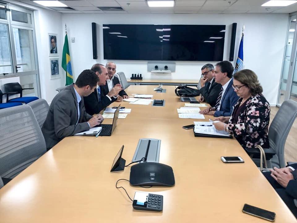 Camilo Santana se reúne com representante do BID em Brasilia