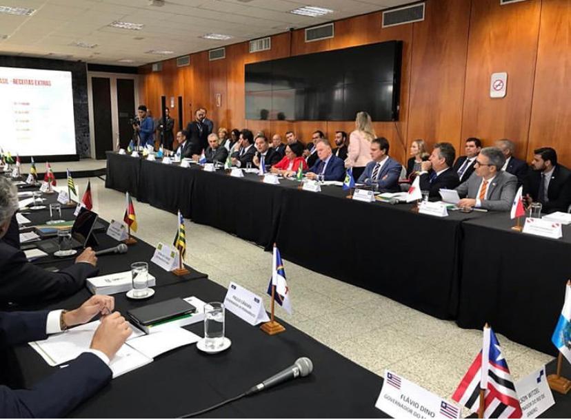 Governadores se reúnem com Paulo Guedes para definir socorro aos estados