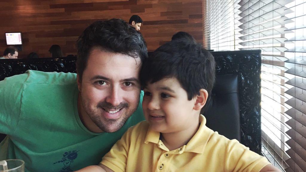 Pai de criança com autismo cria aplicativo para auxiliar os jovens diagnosticados com o transtorno