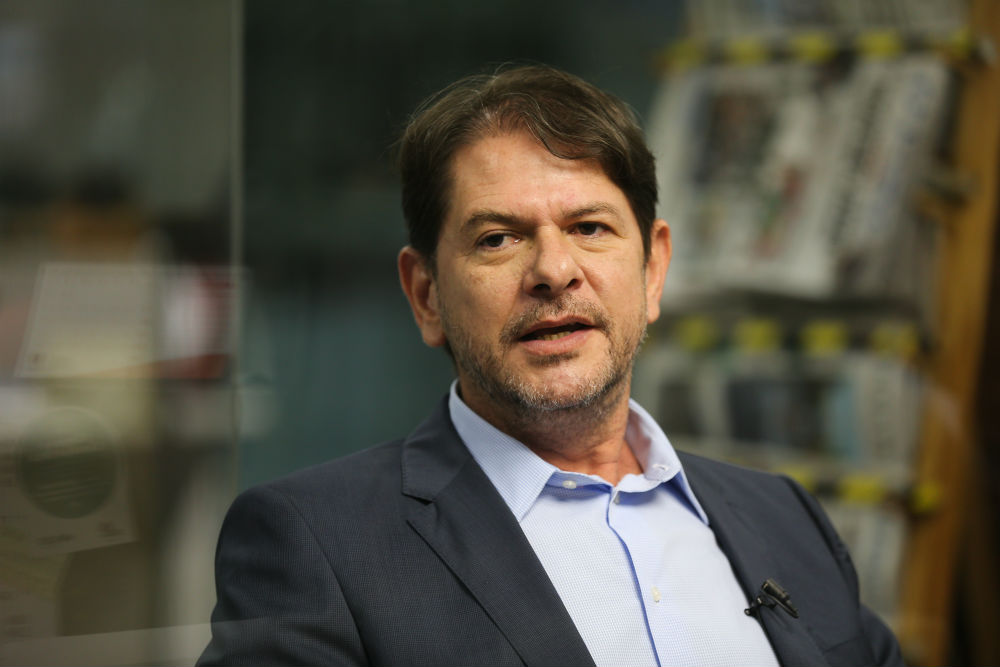 Cid Gomes recebe alta da UTI do Hospital do Coração de Sobral