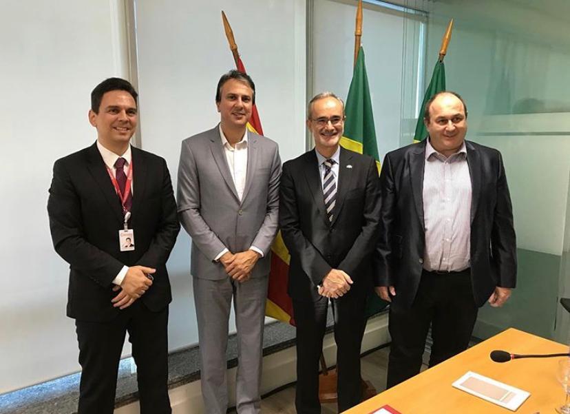 Camilo Santana apresentou as potencialidades do Ceará durante encontro na Câmara Comercial Espanhola