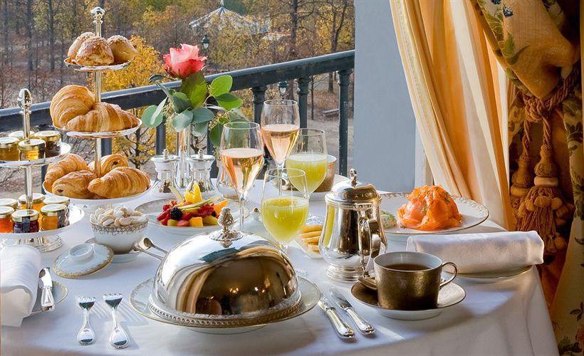Hora do Chá no Le Meurice: suavidade e voluptuosidade  no início da primavera…