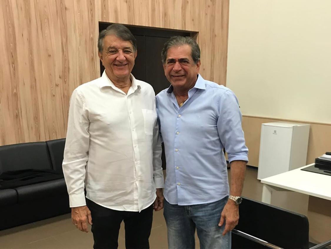 Arialdo Pinho esteve reunido com Zezinho Albuquerque nesta segunda-feira (22)