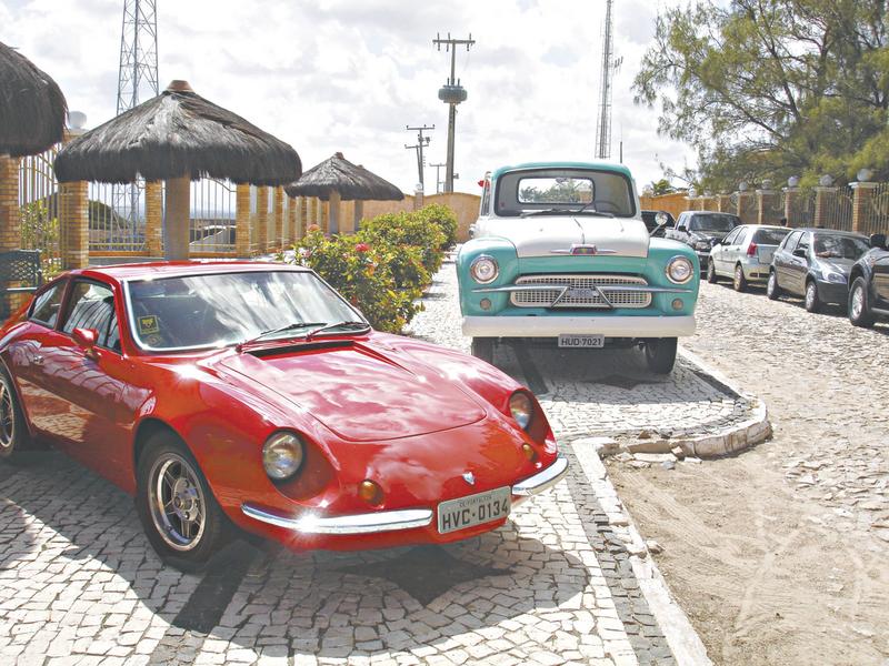 Estoril recebe a 4ª Exposição de carros antigos da Praia de Iracema