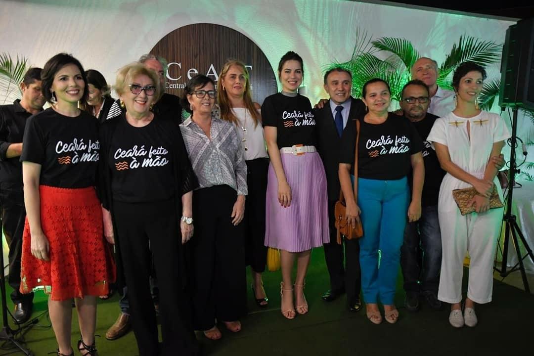 Primeira dama do Estado do Ceará Onélia Leite entrega nova loja da Ceart