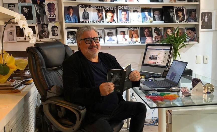 """Sérgio Mattos lança seu primeiro livro de poesias """"Era uma vez um poeta"""""""