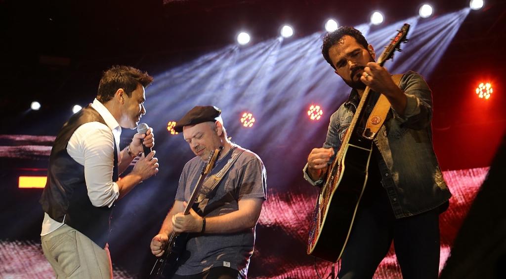 """Zezé Di Camargo e Luciano falam sobre live da dupla e garantem: """"Tocaremos muitos corações"""""""