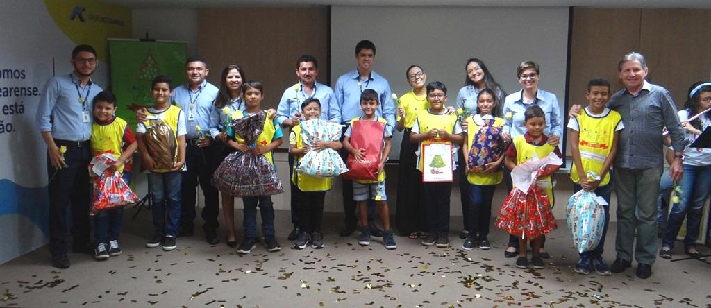 Campanha de Natal do Grupo Aço Cearense presenteia cerca de 500 crianças carentes