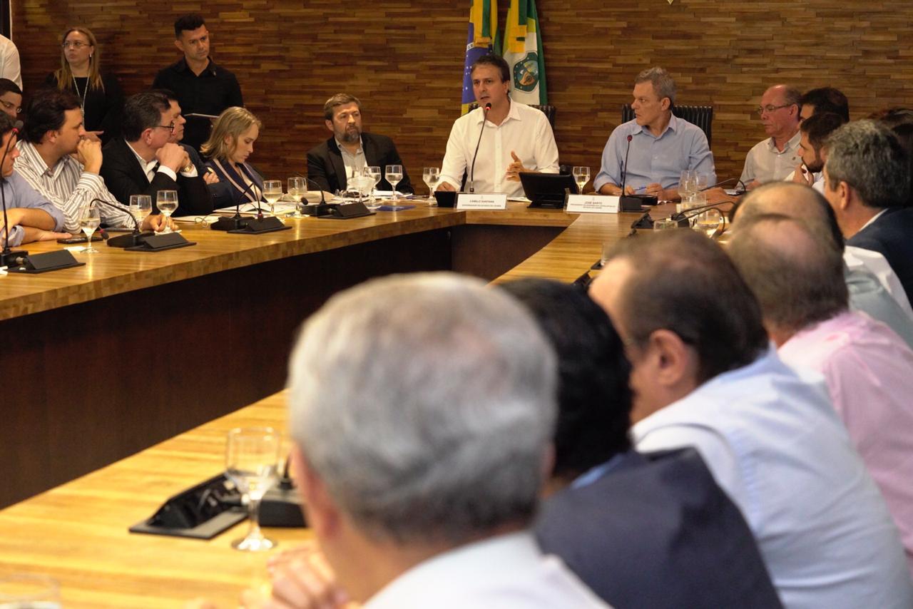 Governador reúne base aliada na Assembleia para debater projetos prioritários