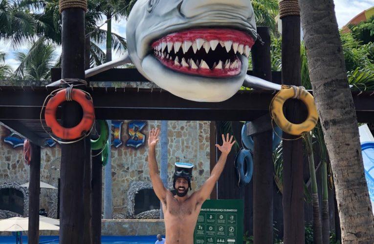 Windsurfista e apresentador Levi Lenz aproveita dia de diversão no Beach Park
