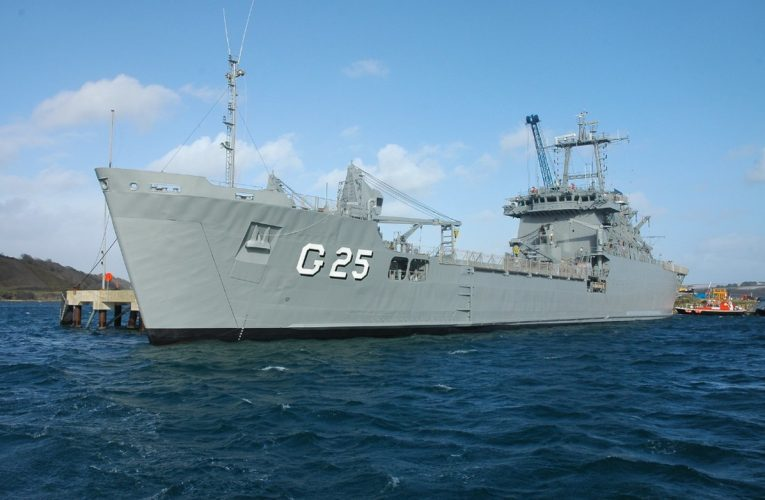 Navio da Marinha do Brasil atraca em Fortaleza e ficará aberto para visitação pública