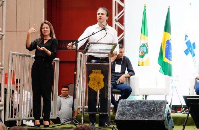 O governador Camilo Santana participou hoje do Fórum Estratégico da Saúde no Centro de Eventos