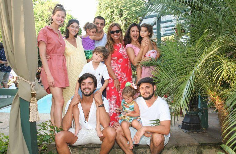 Eder Meneghine promoveu sua feijoada carnaval e aproveitou para comemorar o aniversario Ana Paula Simas- Solar das Palmeiras