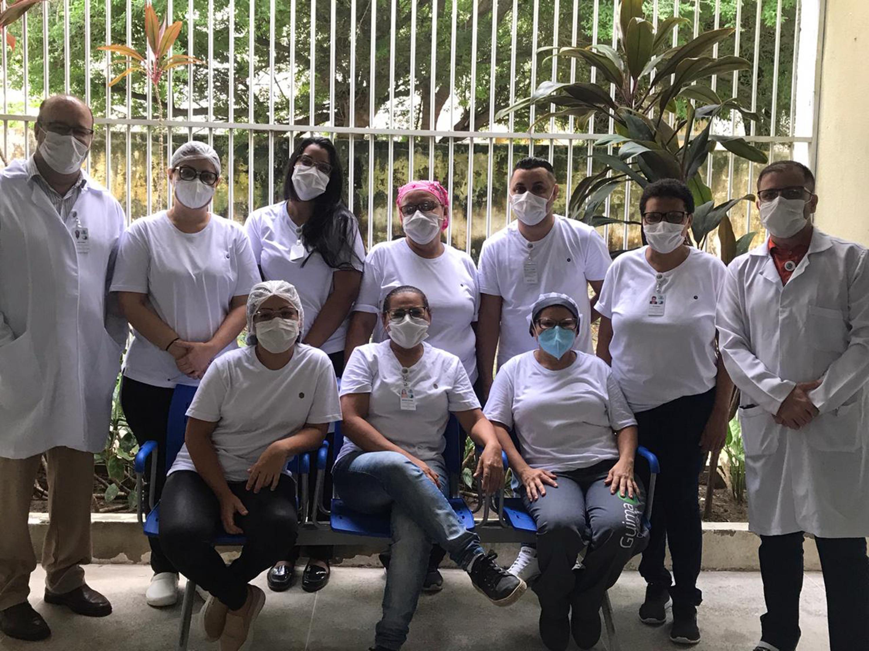 DLT doa 1.000 camisas brancas para profissionais da saúde que estão combatendo o coronavírus
