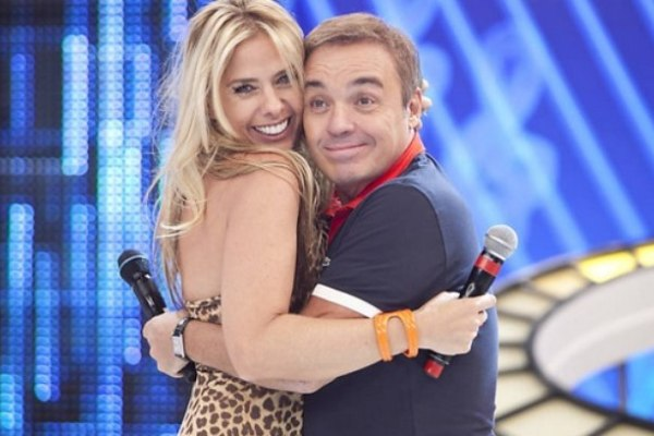 Adriane Galisteuserá a substituta deGugu Liberato em programa na Record