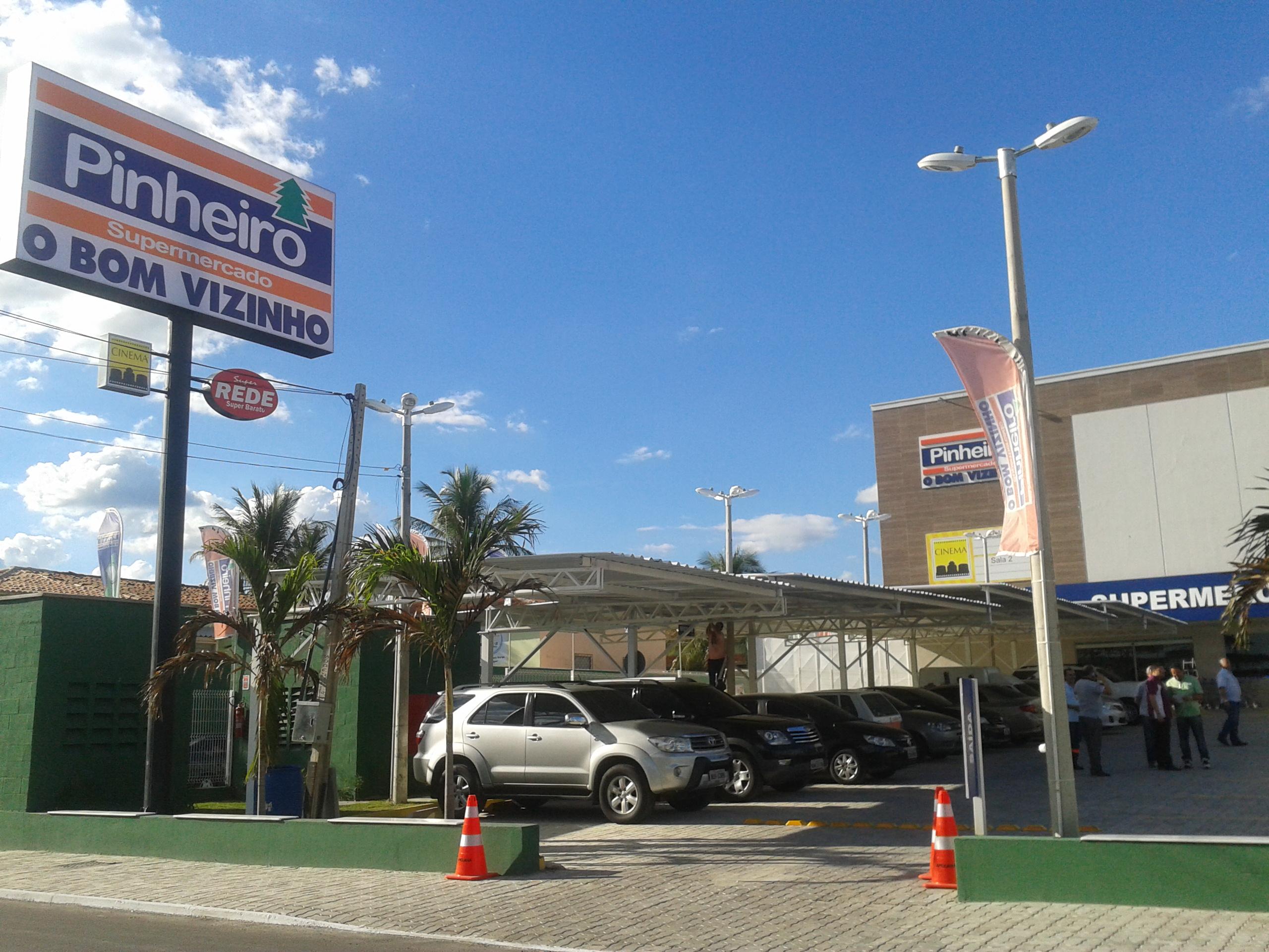 Supermercado Pinheiro adota medidas de prevenção e tranquiliza a população sobre o abastecimento das lojas