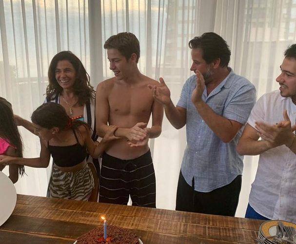 Ex-casal, Giovanna Antonelli e Murilo Benício comemoram 15 anos do filho juntos
