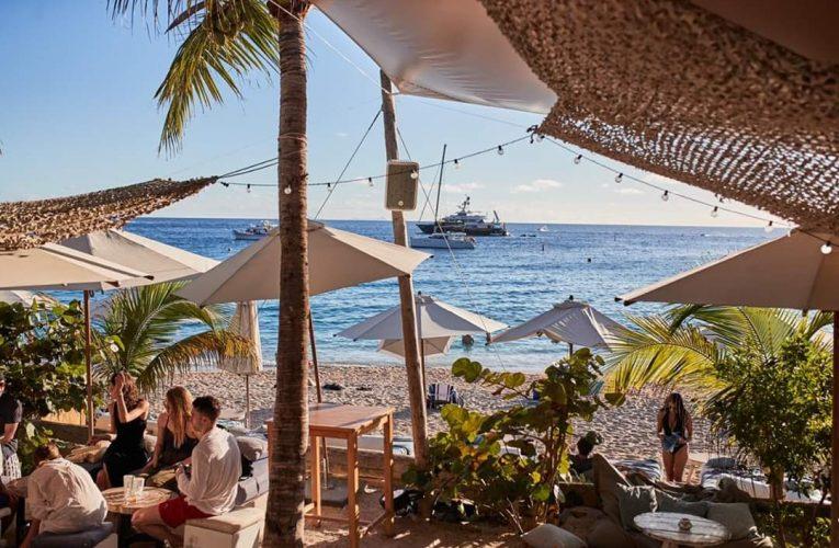 Saint Barth reabre para turistas Visitantes podem viajar para a mais elegante ilha do Caribe