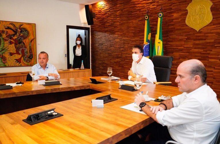 O governador Camilo Santana recebeu na tarde desta quinta-feira(25) na sede do Governo, o ministro do Desenvolvimento Regional, Rogério Marinho.