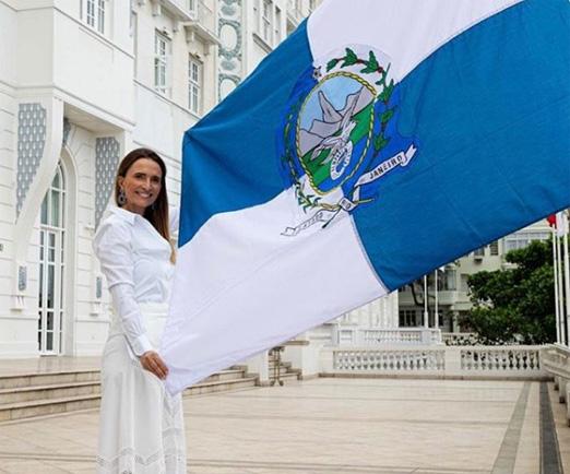 Homenageando o turismo doméstico, Copacabana Palace substitui bandeiras internacionais pelas dos estados brasileiros