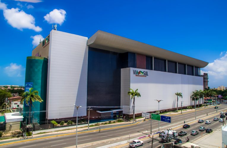 Natal nos shoppings da rede Ancar Ivanhoe no Ceará tem sorteio de 26 vale compras de até R$ 30 mil