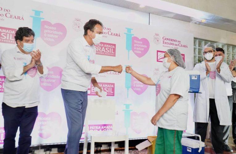 Ceará inicia vacinação contra covid-19