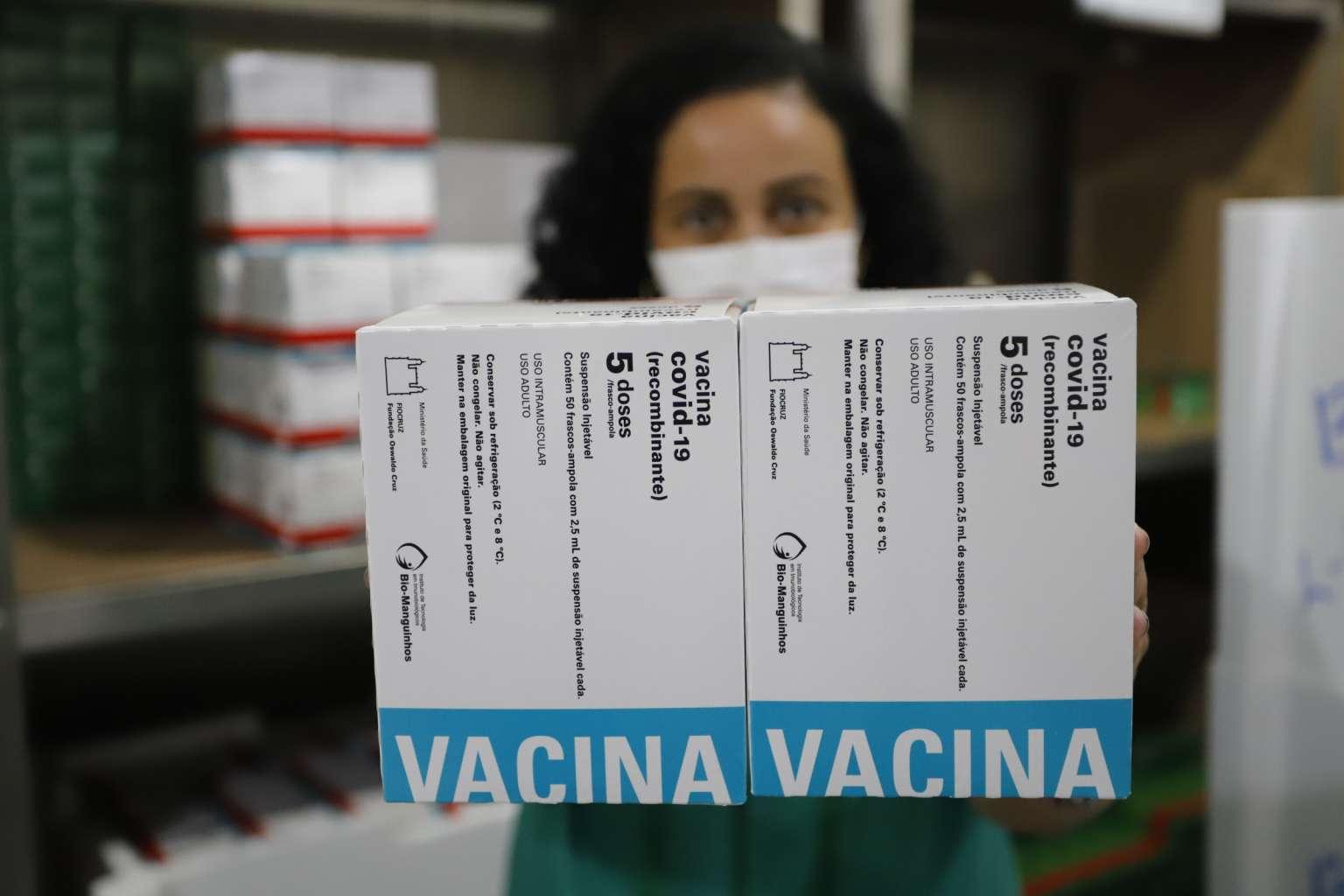 Ceará recebe 140 mil doses de vacinas contra a Covid-19