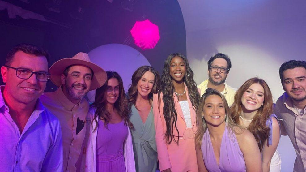Globo reúne famosos em gravação da sua mensagem de fim de ano